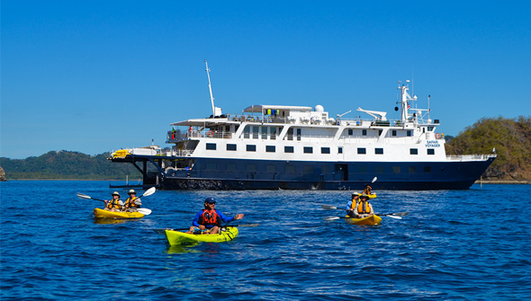 Adventure-Cruises-Img-Costa-Rica-Panama-Safari-Voyager-Kayakers